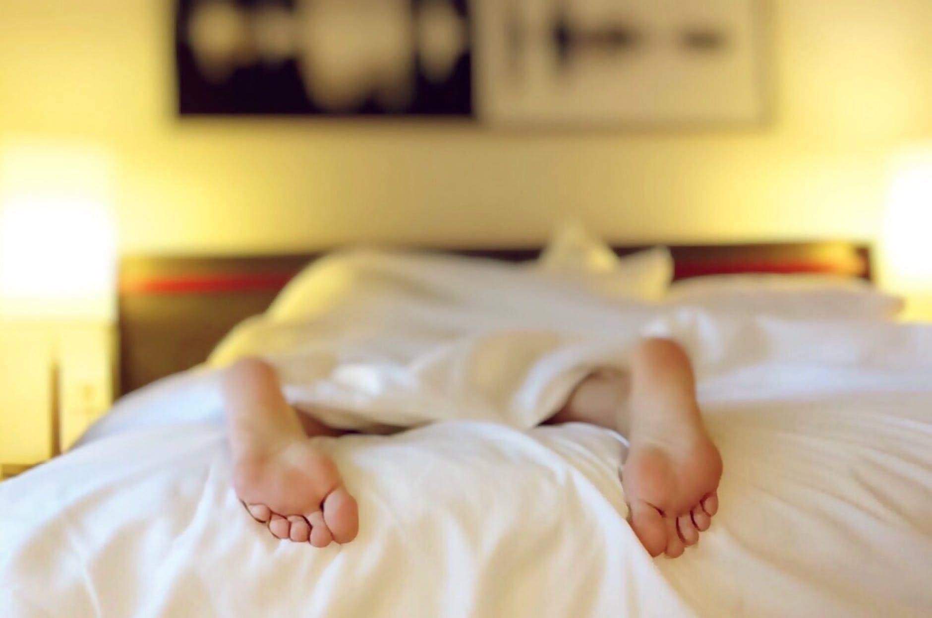 corp dureros din cauza somnului prea mult